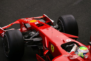 Felipe Massa, Scuderia Ferrari, with radical new front nose