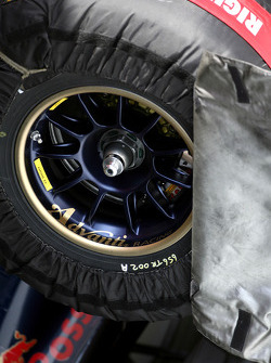 Toro Rosso STR03 front wheels