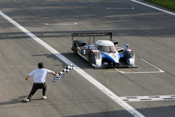 #8 Team Peugeot Total Peugeot 908 HDi-FAP: Pedro Lamy, Stéphane Sarrazin takes the checkered flag