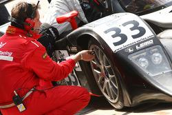 Pit stop for #33 Speedy Racing Team Sebah Lola B08/80 Coupé - Judd: Xavier Pompidou, Steve Zacchia, Andrea Belicchi