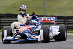 Robbie Kerr gives Neel Jani a lift back to the pits