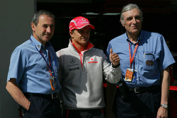 Heikki Kovalainen, McLaren Mercedes with FIA Medical Staff, Jacques Tropenat FIA, Medical Car Driver of Formula 1 and GP2 and Jean-Charles Piette