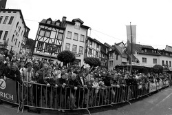 A big crowd in Adenau for the parade