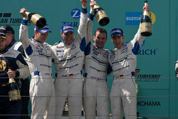 Podium: race winners #1 Manthey Racing Porsche 911 GT3 RSR: Timo Bernhard, Marc Lieb, Romain Dumas, Marcel Tiemann