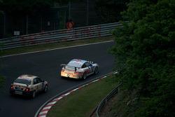 #28 Scuderia Offenbach Porsche 997 GT3 Cup: Matthias Weiland, Harald Weiland, Michael Klein, Antoine Feidt, #202 Team DMV e.V. Honda Accord Type R: Bruce Trenery, Scott Morton, Nigel Edwards