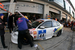 Pit stop for #44 Holden Commodore: Mal Rose, Peter Leemhuis, Anthony Alford