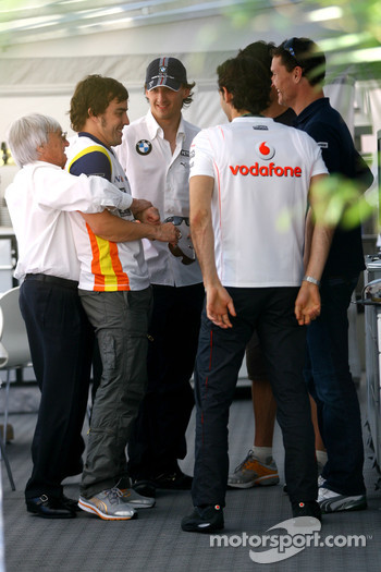 Bernie Ecclestone, Fernando Alonso, Renault F1 Team, Robert Kubica, BMW Sauber F1 Team, David Coulthard, Red Bull Racing, Pedro de la Rosa, Test Driver, McLaren Mercedes, Mark Webber, Red Bull Racing
