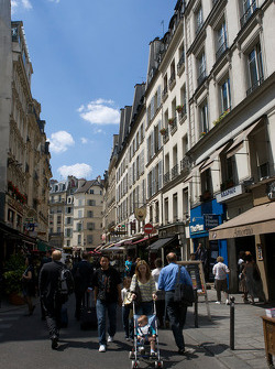Visit of Paris: street scene in St. Germain