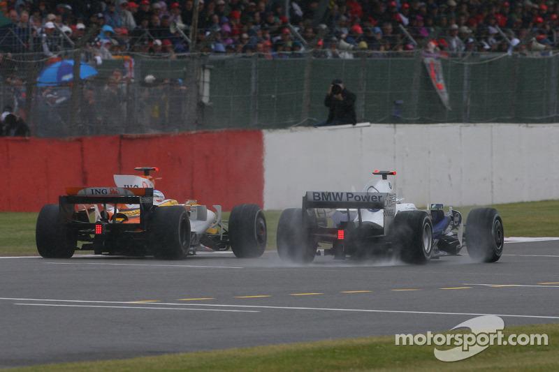 Fernando Alonso, Renault F1 Team, R28 and Nick Heidfeld, BMW Sauber F1 Team, F1.08