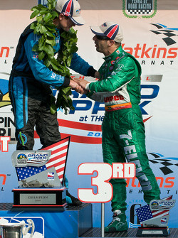 Podium: race winner Ryan Hunter-Reay and Tony Kanaan