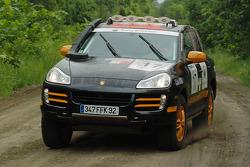 #17 Team France Porsche Cayenne S Transsyberia: Christian Lavieille and François Borsotto
