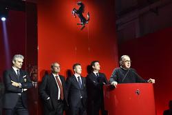 Ferrari Challenge prijsuitreiking met Kimi Raikkonen, Maurizio Arrivabene, teambaas Scuderia Ferrari, Sergio Marchionne, Ferrari President en Amedeo Felisa, Ferrari CEO