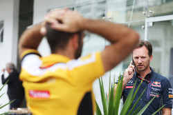 Christian Horner, Red Bull Racing Team Principal, and Cyril Abiteboul, Renault Sport F1 Managing Director