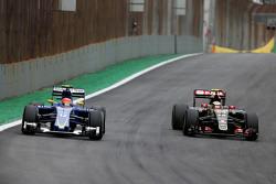Felipe Nasr, Sauber F1 Team and Pastor Maldonado, Lotus F1 Team