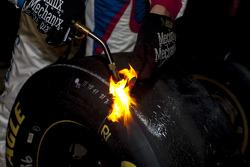 Goodyear tire of Jamie McMurray, Chip Ganassi Racing Chevrolet