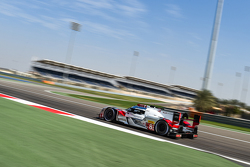 #8 Audi Sport Team Joest Audi R18 e-tron quattro: Richie Stanaway