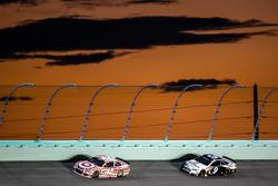 Kyle Larson, Chip Ganassi Racing Chevrolet and Sam Hornish Jr., Richard Petty Motorsports Ford