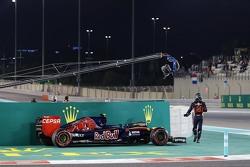 Carlos Sainz Jr, Scuderia Toro Rosso STR10 stopt