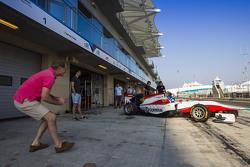 Jonathan and Jolyon Palmer watch Will Palmer, ART Grand Prix leave the garage