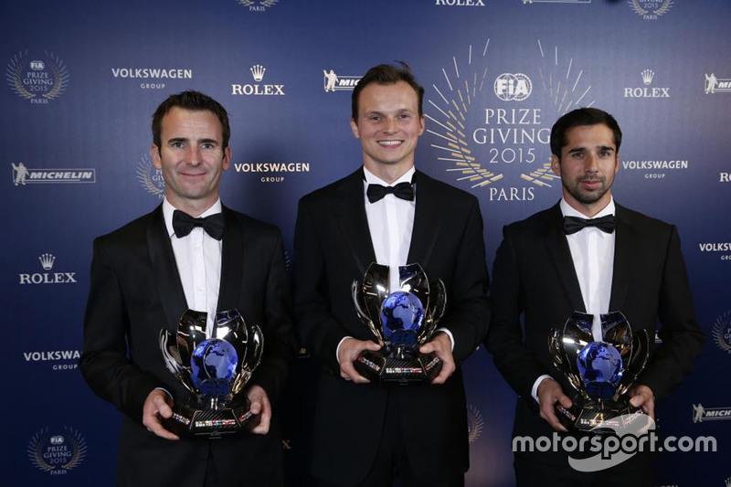 世界耐力锦标赛车手年度季军组合——保时捷18号车组。从左至右:罗曼·杜马斯、马克·里布和尼尔·贾尼