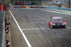 Race winner Norbert Michelisz, Honda Civic WTCC, Zengo Motorsport