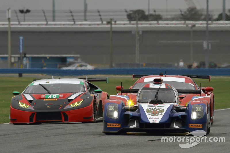 37 SMP Racing BR01 Nissan: Maurizio Mediani, Nicolas Minassian ...
