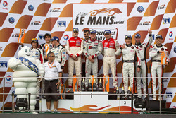 GT podium: winners Jeffrey Lee, Alessio Picariello, Christopher Mies, Absolute Racing, second place Junsan Chen, Nobuteru Taniguchi, Ollie Millroy, Team AAI, third place Weng Sun Mok, Rob Bell, Keita Sawa, Clearwater Racing