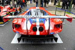 Ford GT in the streets of Paris