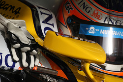 Nelson A. Piquet, Renault F1 Team, gloves