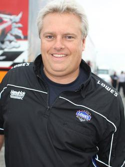 Hendrick Motorsports crew member