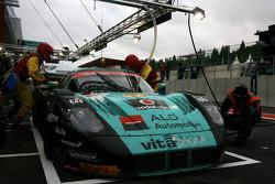 Pit stop for #1 Vitaphone Racing Team Maserati MC 12: Andrea Bertolini, Michael Bartels, Stéphane Sarrazin, Eric Van de Poele