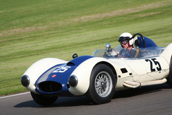 Sussex Trophy race: 1958 Sadler chevrolet mk3