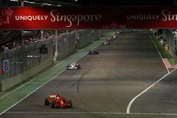 Kimi Raikkonen, Scuderia Ferrari, F2008 leads Robert Kubica, BMW Sauber F1 Team, F1.08
