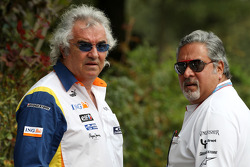 Flavio Briatore, Renault F1 Team, Team Chief, Managing Director and Vijay Mallya, Force India F1 Team, Owner and Kingfisher CEO