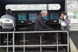 JiR Team Scot Honda pitwall