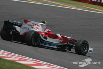 Timo Glock, Toyota F1 Team, TF108, spins