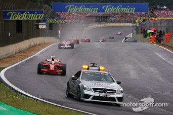 Safety car out in front of Felipe Massa, Scuderia Ferrari