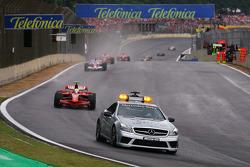 Safety car out in front of Felipe Massa, Scuderia Ferrari
