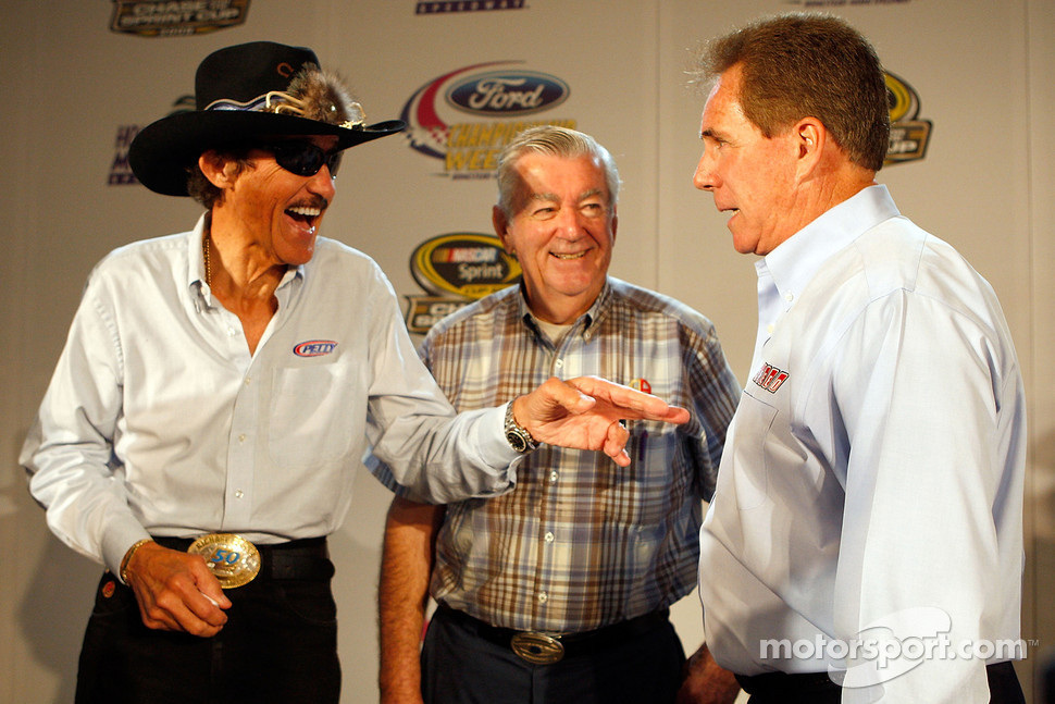 Richard Petty, Bobby Allison and Darrell Waltrip, who have a combined 11 NASCAR Sprint Cup Series championships, joke around during the 2008 Championship Contenders Press Conference