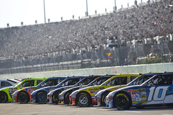 The field of 43 cars wait on pit road