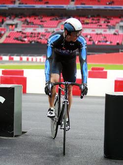 Chris Hoy on his bike