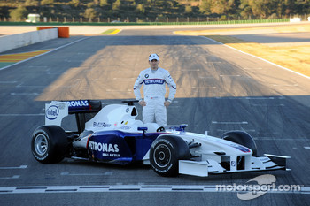 Robert Kubica with the new BMW Sauber F1.09