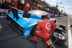 Pit stop for #02 Chip Ganassi Racing with Felix Sabates Lexus Riley: Scott Dixon, Dario Franchitti, Alex Lloyd