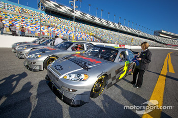 Hendrick Motorsports' 25th anniversary season car unveiling event: Dale Earnhardt Jr., Jimmie Johnson, Jeff Gordon and Mark Martin get ready for a lap around the track