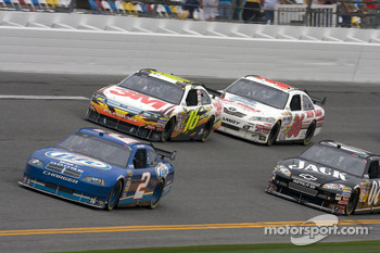 Kurt Busch, Penske Racing Dodge, Greg Biffle, Roush Fenway Racing Ford, Casey Mears, Richard Childress Racing Chevrolet, Scott Riggs, Tommy Baldwin Racing Toyota