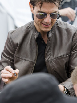 Tom Cruise is announced to be the honorary pace car driver for The Daytona 500