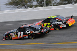 Denny Hamlin, Joe Gibbs Racing Toyota, and Jeff Gordon, Hendrick Motorsports Chevrolet