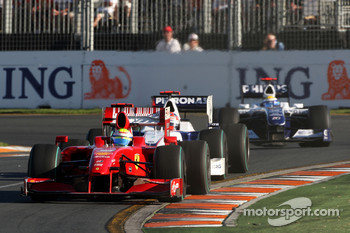 Lewis Hamilton, McLaren Mercedes, MP4-24 leads Robert Kubica, BMW Sauber F1 Team, F1.09