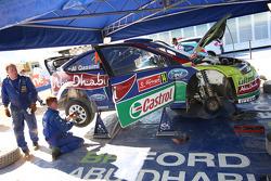 M-Sport technicians work