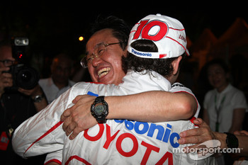 Toyota F1 celebrations: Tadashi Yamashina, Chairman and Team Principal, Timo Glock, Toyota F1 Team
